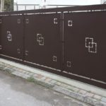 cancello scorrevole in tubolare in lamiera in taglio laser su disegno chiesto dal cliente, il tutto zincato e verniciato