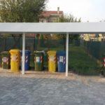 tettoia copertura rifiuti per condominio, il tutto zincato e verniciato